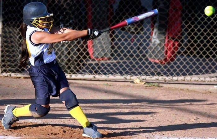 Top 8 Best Fastpitch Softball Bats for 2018: Buying Guide