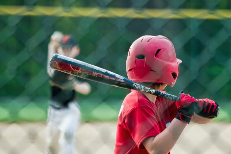 Composite vs Aluminum Bats – What's the Difference?