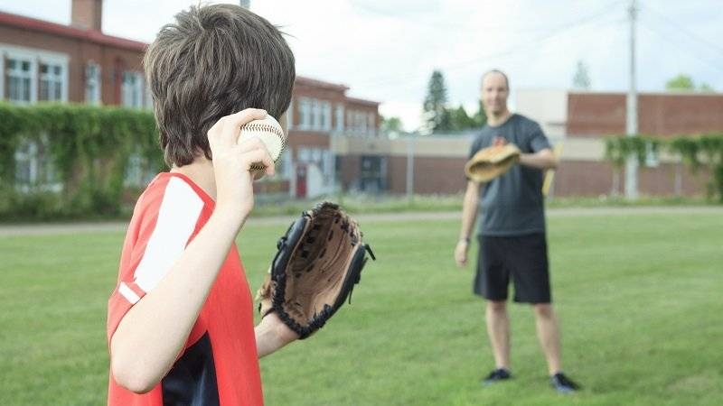 how to break in a catcher's mitt - Play catch with it